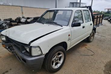 Toyota hilux 2.4D  ano 1992  para peças REF. 2L