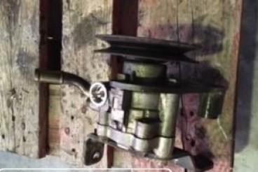 Bomba de direção navara d22