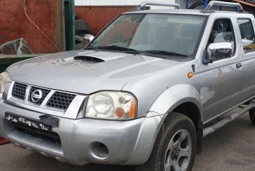 Nissan  D22 4X4 Para peças